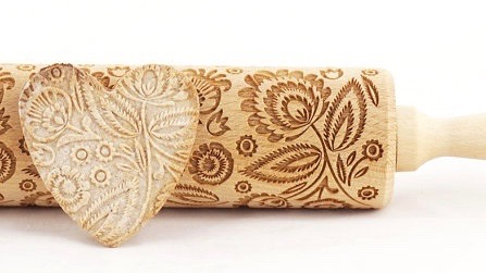 FOLK-FLORAL---Engraved-embossing-rolling-pin-for-cookies